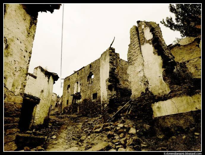 Pueblo abandonado de Escó